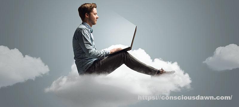 雲の上に乗って飛んでる男